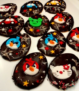 Kraslice_Angry_Birds,_Hello_Kitty,_...15_Kc